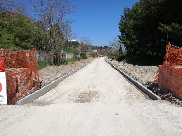 lavori sulla pista ciclabile dei trabocchi