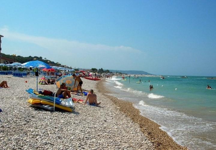 bagnanti_spiaggia_Torino_di_Sangro