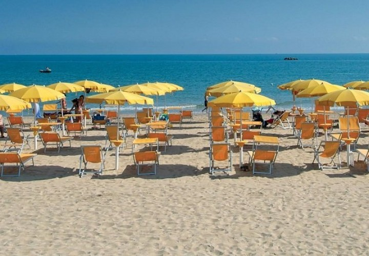 ombrelloni-spiaggia-casalbordino